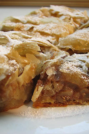 apple/walnut Hungarian filo pastry strudel