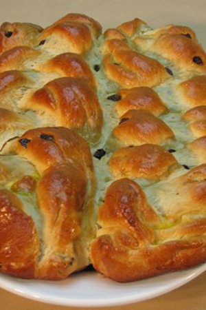 Hungarian braided sweet bread with raisins